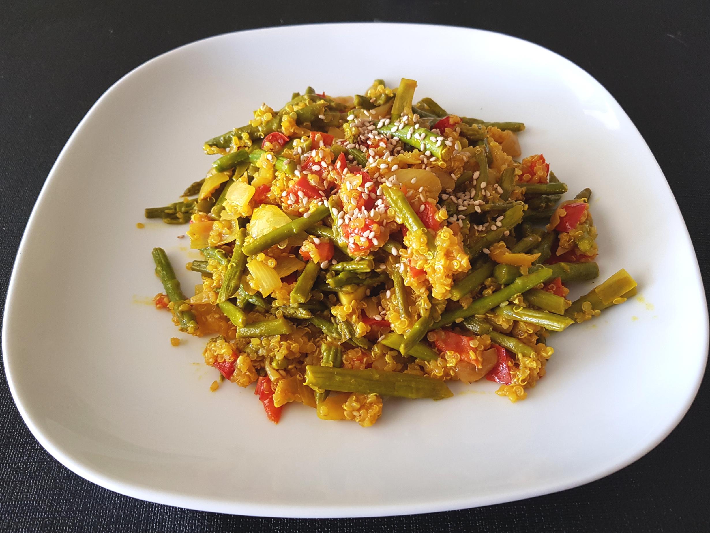 Recepta quinoa amb espàrrecs a l'estil hindú